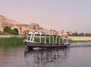 ركوب الفلوكة في نهر النيل في أسوان- صن بيراميدز