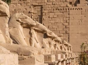 رحلة إلى  الأقصر من مرسى علم - Sun Pyramids