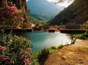 شلالات اقشور بالمغرب هنا تجد متعة المغامرة بين تداخل المياة والجبال